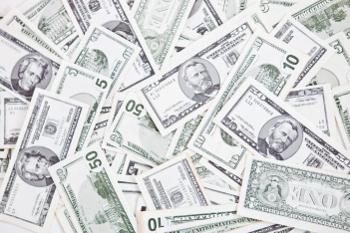 Viele Geldscheine auf einem Haufen